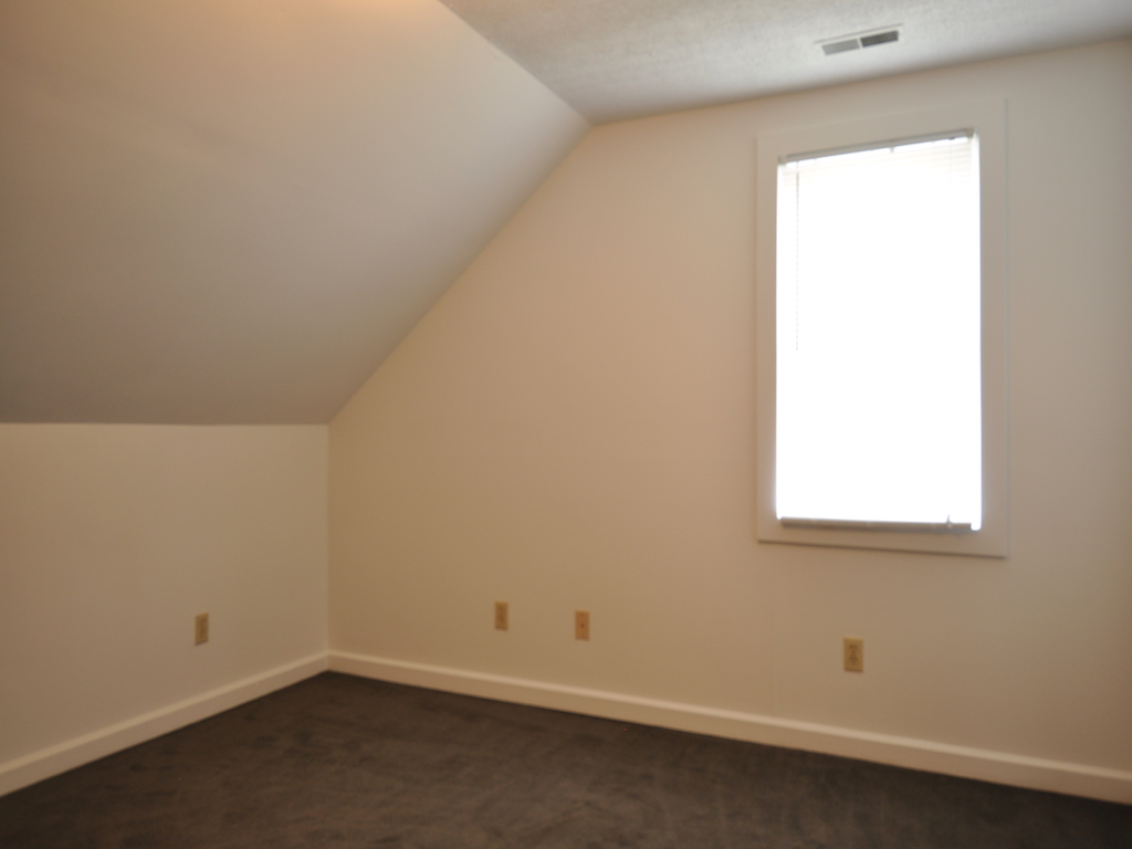 1024 Neely 5 bedroom Ball State house for rent in muncie bedroom photo