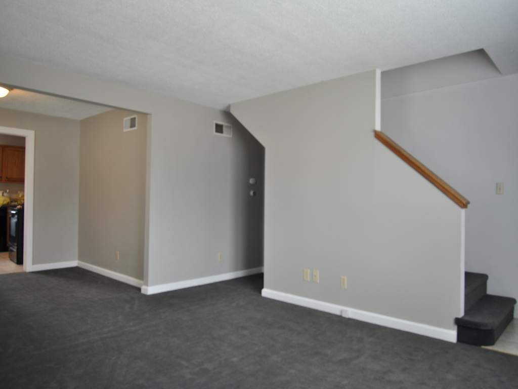 1024 Neely 5 bedroom house for rent near ball state living room photo