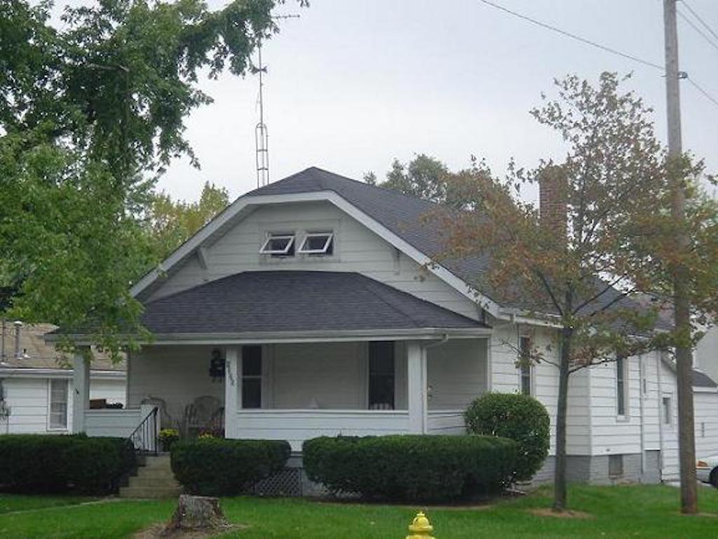 1025 Neely 4 bedroom Ball State rental house in muncie exterior photo