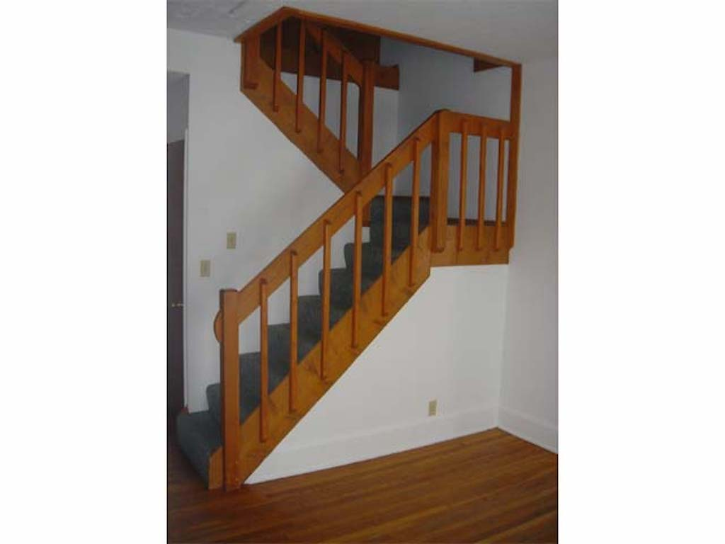 1025 Neely 4 bedroom house for rent near ball state in muncie stairway photo