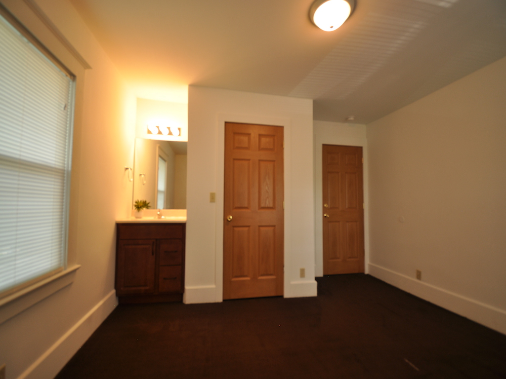 1100 Ashland 4 bedroom BSU home for rent in muncie bedroom photo