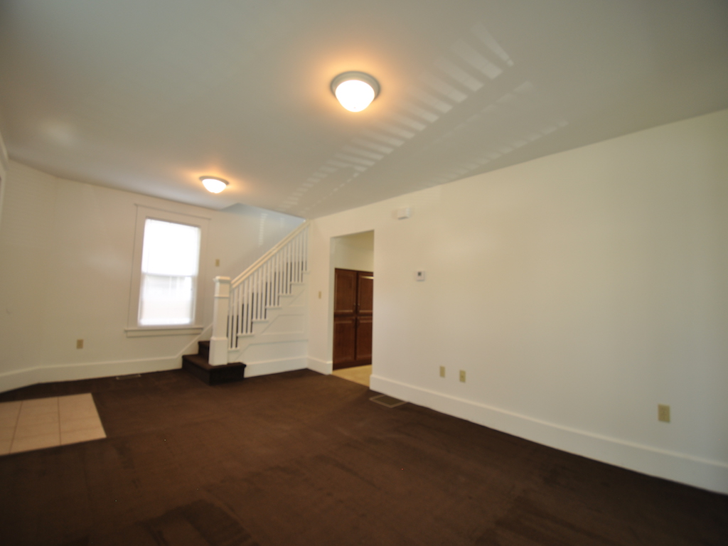 1100 Ashland 4 bedroom off campus house for rent near ball state