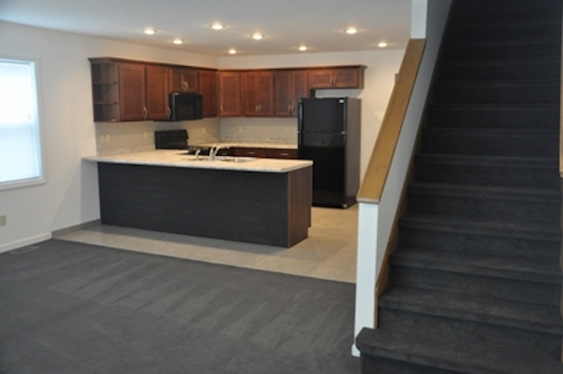 1010 Neely 5 bedroom Ball State rental house in Muncie entry photo