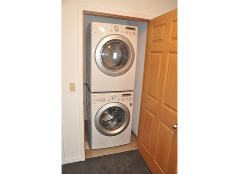 1010 Neely 5 bedroom house for rent near bsu laundry room photo
