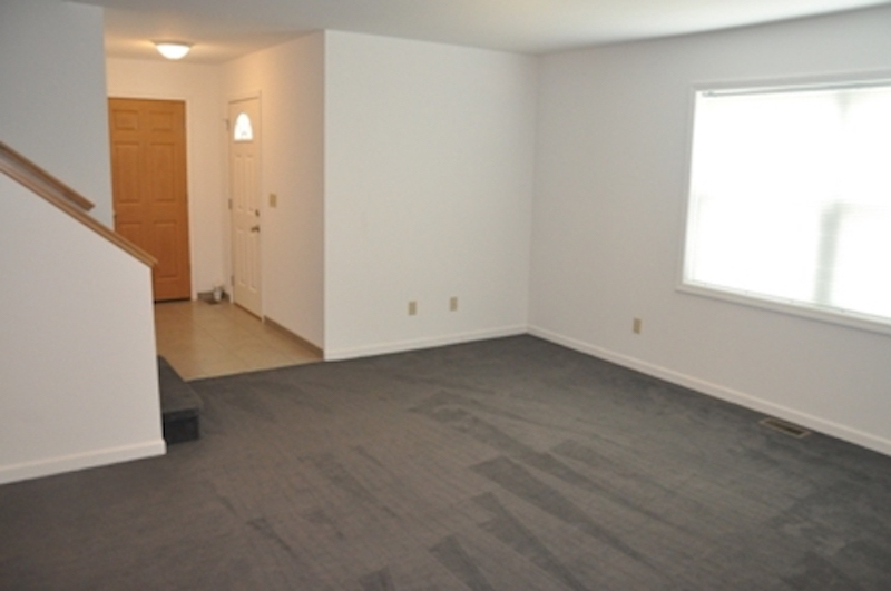1010 Neely 5 bedroom BSU rental house living room photo