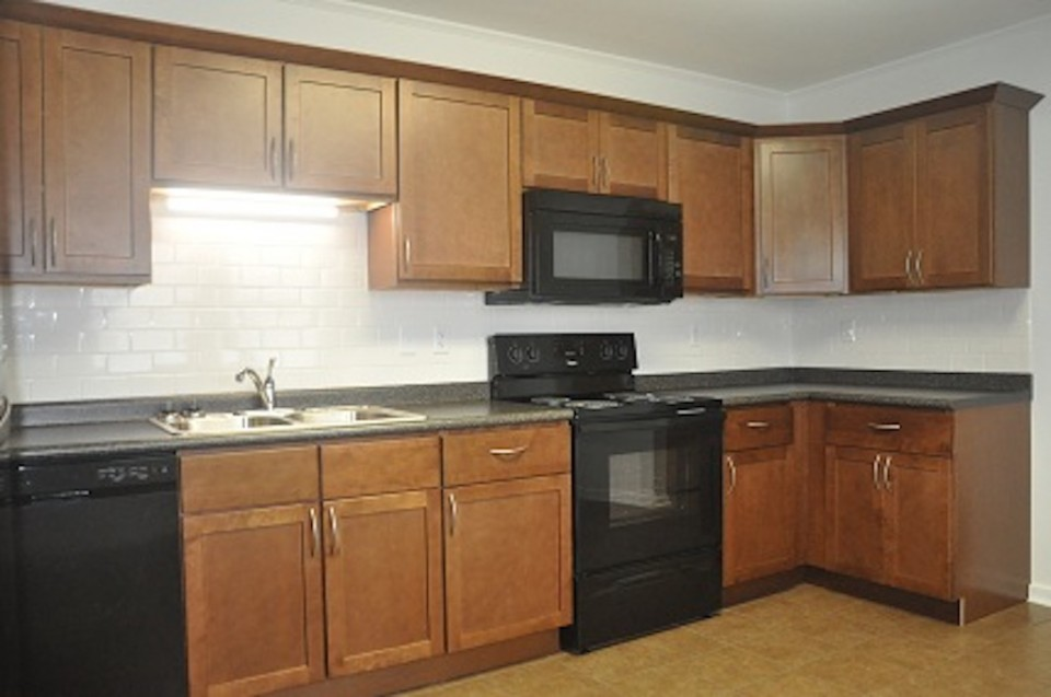 1022 Carson 5 bedroom house for rent near ball state in muncie kitchen photo
