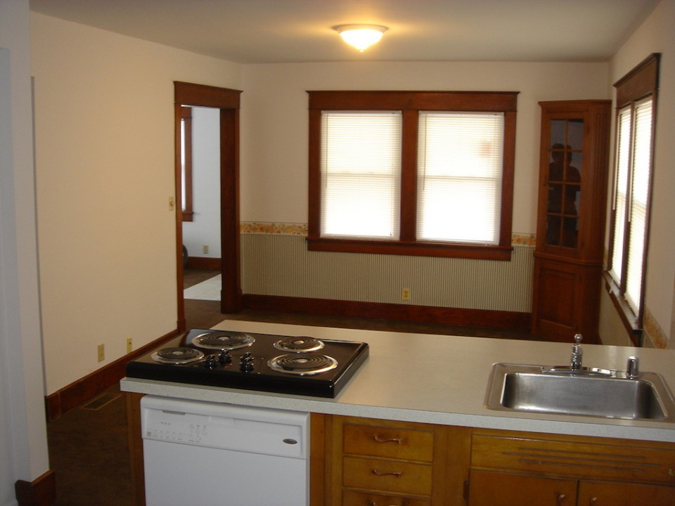 1101 Marsh 4 bedroom Ball State off-campus house for rent in muncie kitchen photo