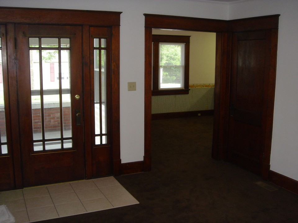 1101 Marsh 4 bedroom rental house close to Ball State entry photo