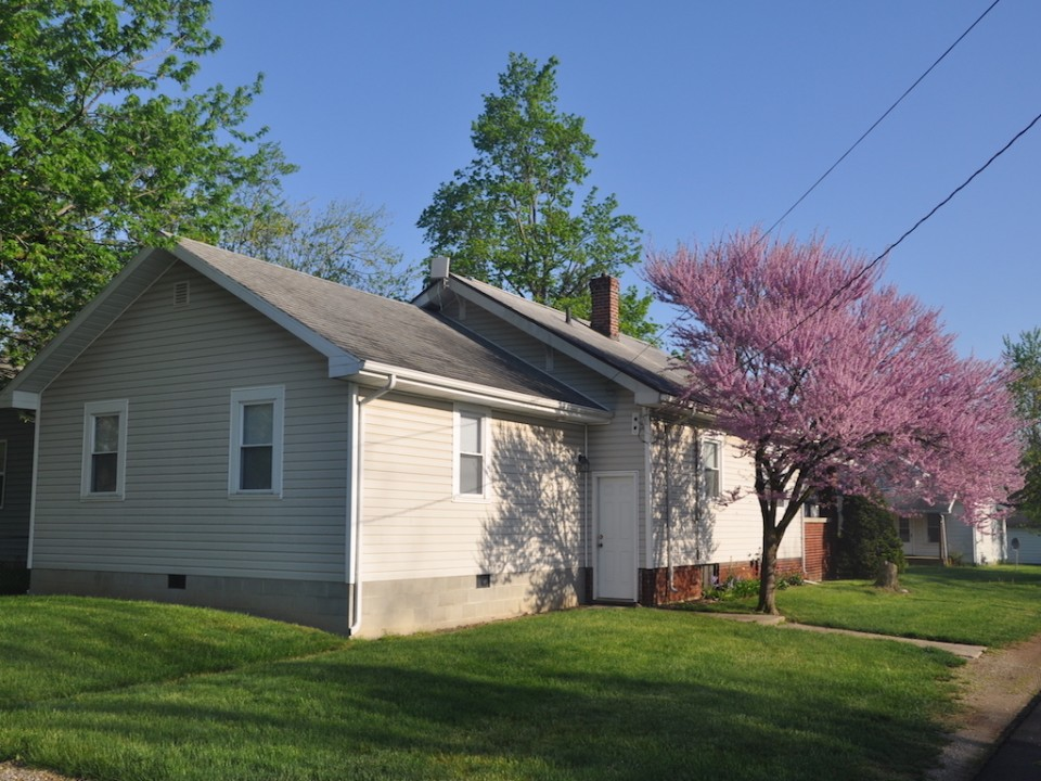 1101 Marsh 4 bedroom Ball State house for rent in muncie exterior photo