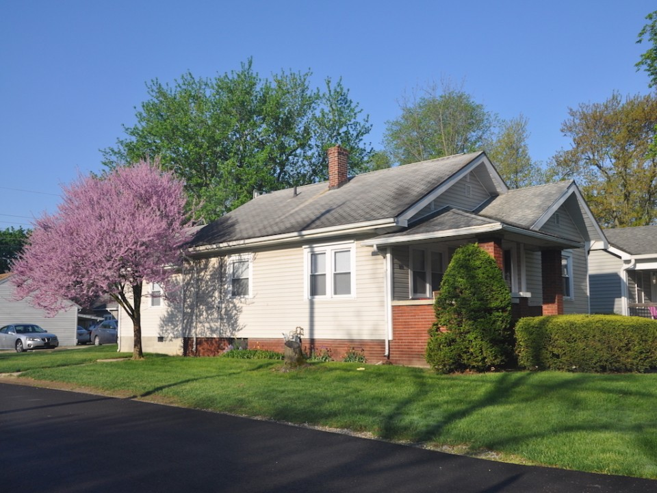 1101 Marsh 4 bedroom off campus house near bsu in muncie exterior photo