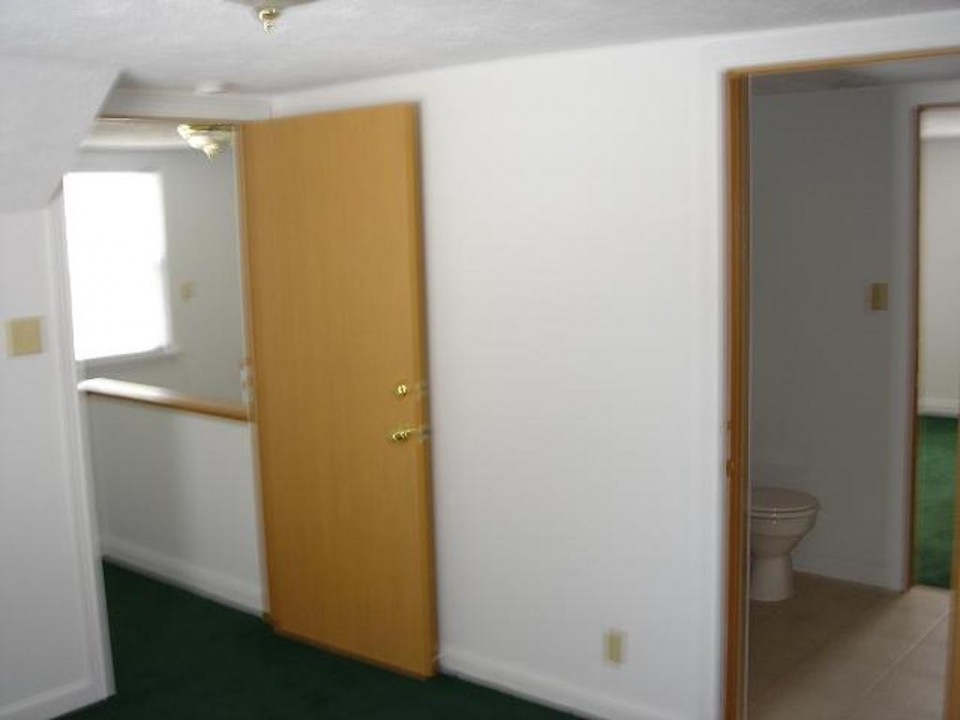 1104 Carson 4 bedroom Ball State house for rent in muncie bedroom photo