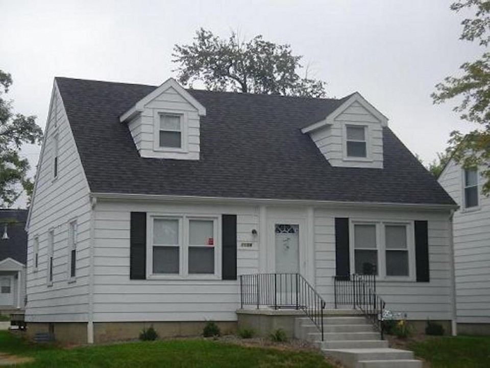 1104 Carson 4 bedroom off campus house for rent near ball state in muncie exterior photo