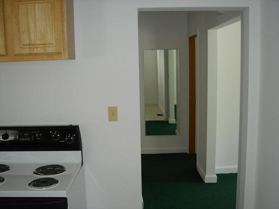 1104 Carson 4 bedroom house for rent in muncie near ball state kitchen photo