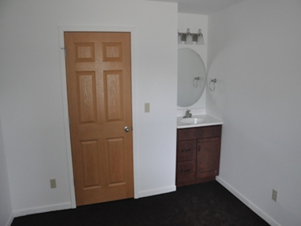 1113 Abbott 3 bedroom Ball State rental house in muncie bedroom photo