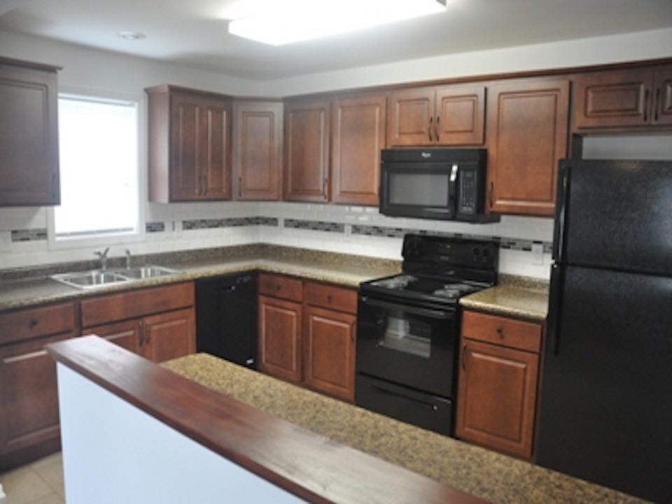 1113 Abbott 3 bedroom house for rent near ball state kitchen photo