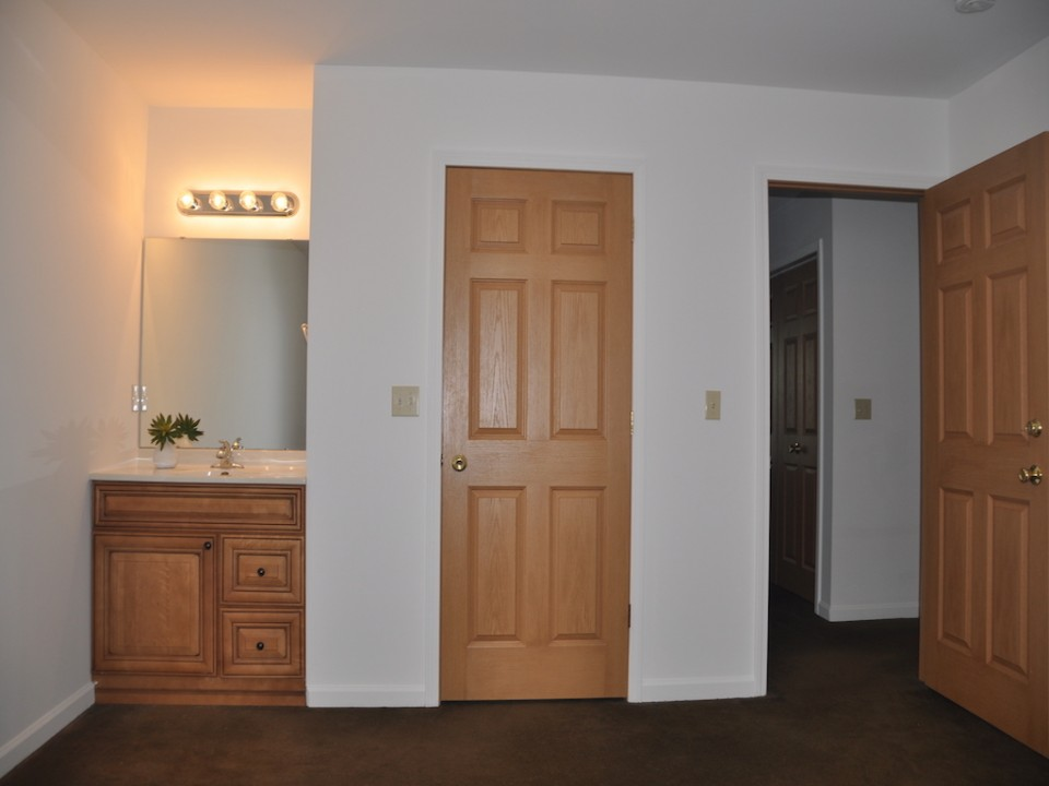 1116 Rex 5 bedroom Ball State rental bedroom photo in muncie