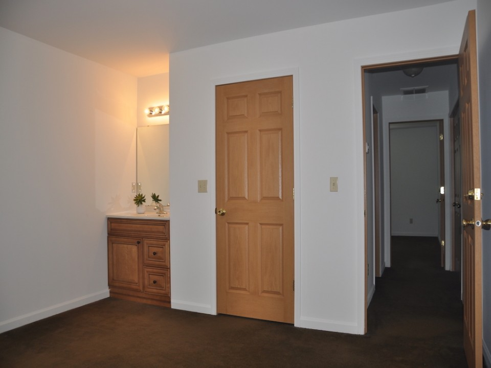 1116 Rex 5 bedroom house for rent near BSU in muncie bedroom photo