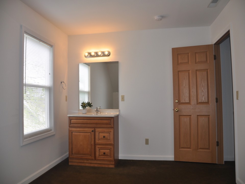 1116 Rex 5 bedroom house for rent near ball state in muncie bedroom photo