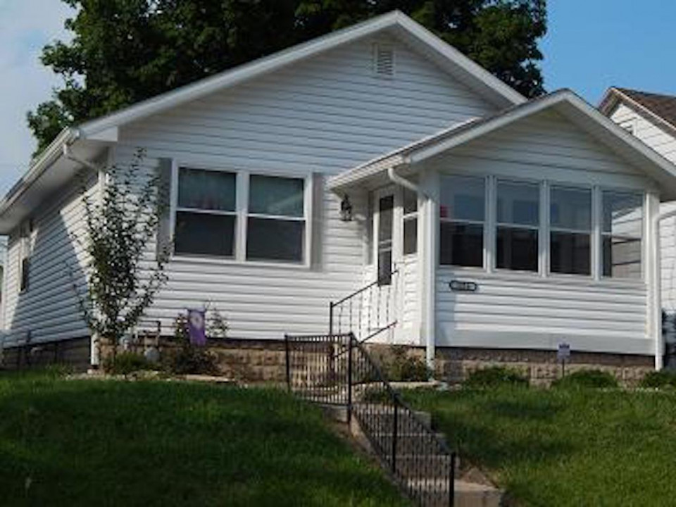 1216 Carson 3 bedroom ball state house for rent in muncie exterior photo