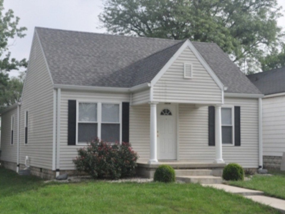 1216 W Marsh 5 bedroom Ball State off-campus house for rent in muncie exterior photo