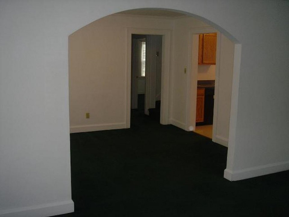 1220 Abbott 4 bedroom Ball State rental house in muncie dining room photo