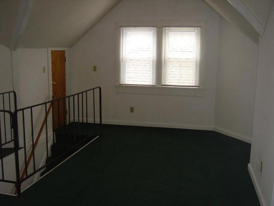 1220 Abbott 4 bedroom bsu rental landing photo
