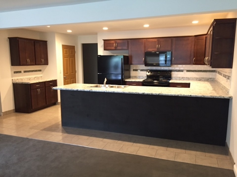 1220 Carson 5 bedroom Ball State rental property in Muncie kitchen photo