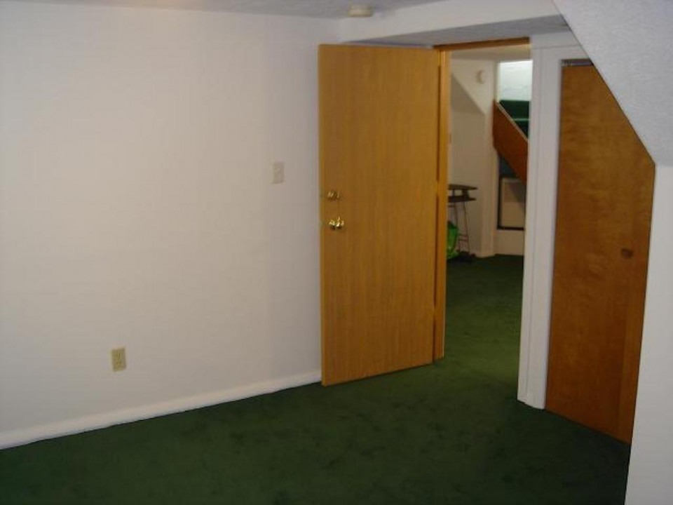 1221 Marsh 4 bedroom BallS State rentals bedroom photo