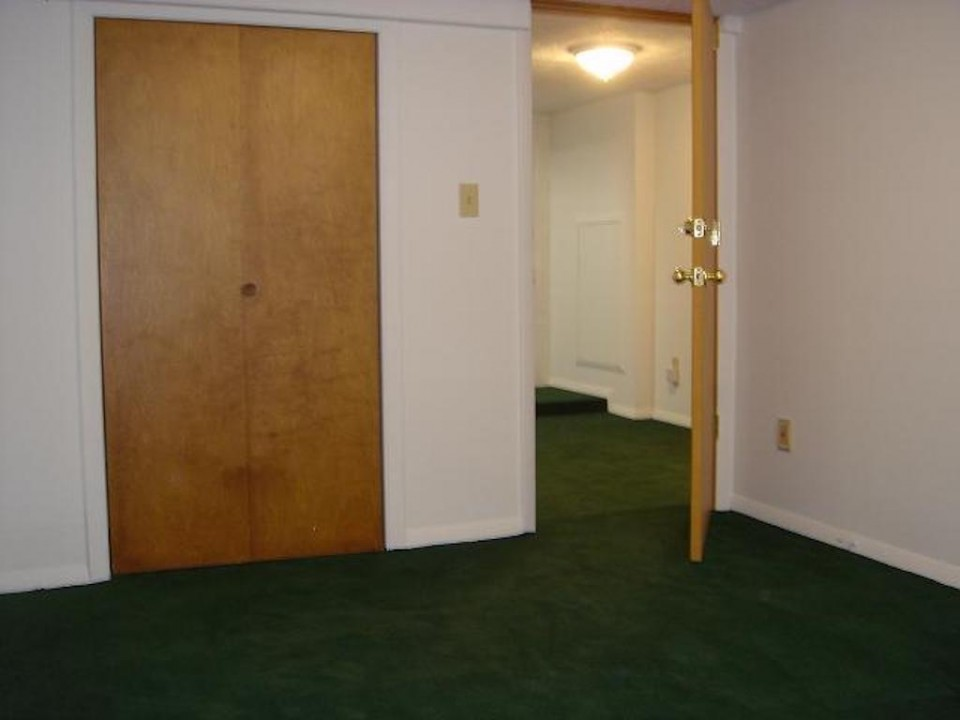 1221 Marsh 4 bedroom BSU rentals bedroom photo