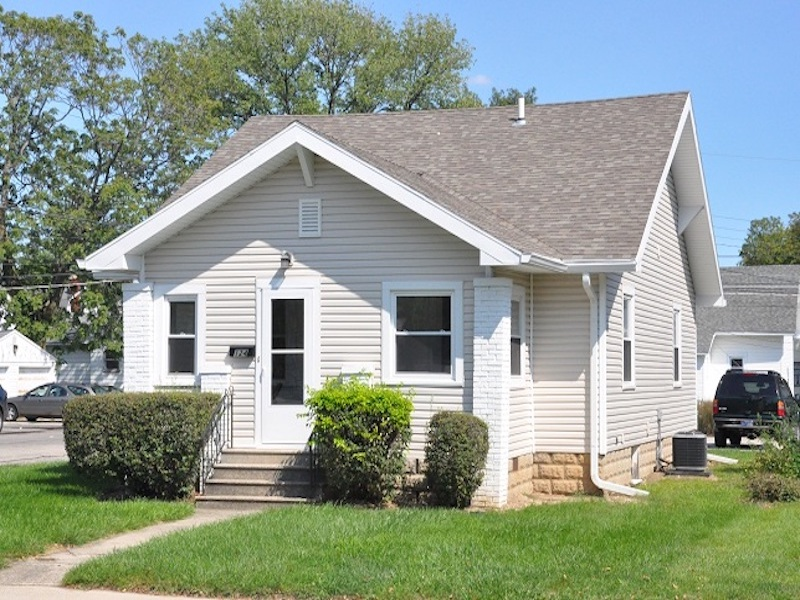 124 McKinley 3 bedroom Ball State house for rent exterior photo