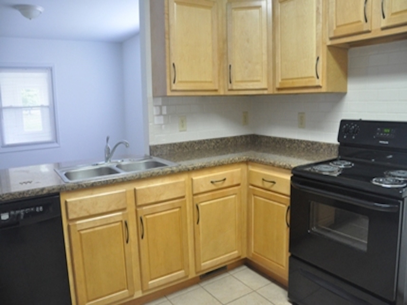 124 McKinley 3 bedroom house for rent near BSU kitchen photo