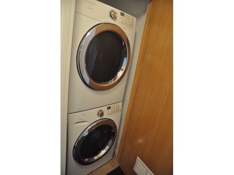 124 McKinley 3 bedroom BSU rental property laundry photo