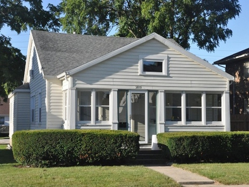 2011 Main 5 bedroom Ball State house for rent in muncie exterior photo