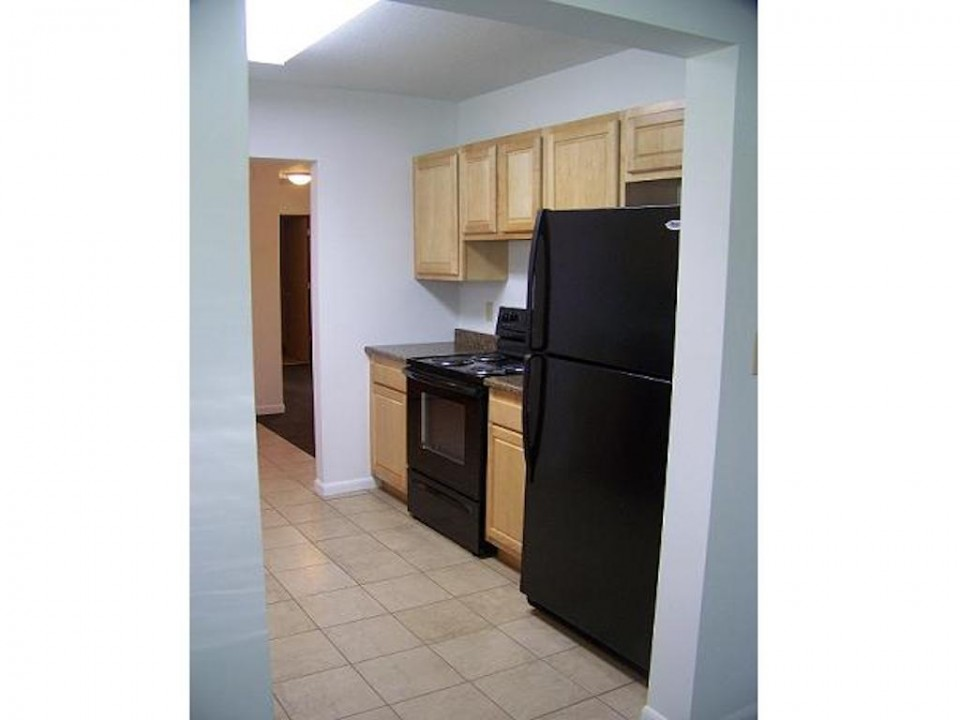 2015 Washington 5 bedroom off campus BSU rental house in muncie kitchen photo