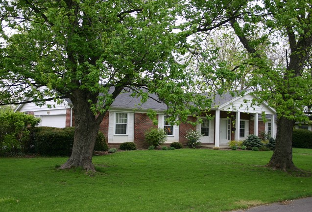2410 Euclid 5 bedroom Ball State house for rent exterior phot